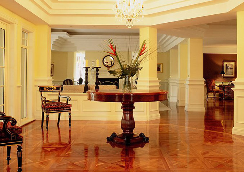 Grand classic style foyer