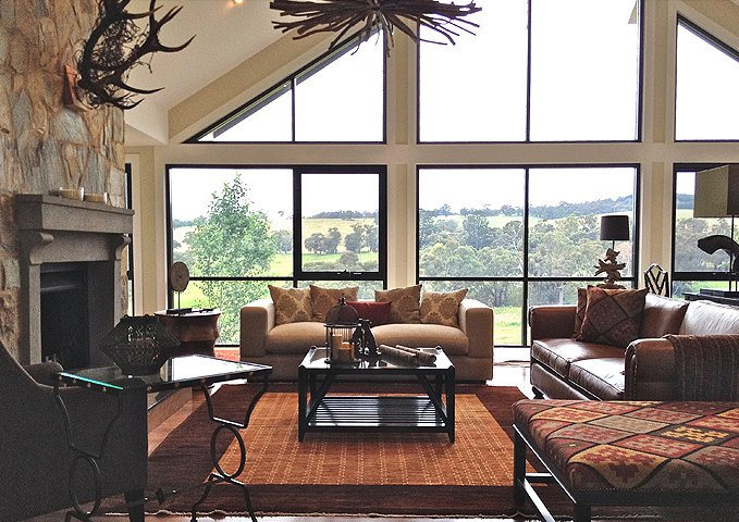 Spacious lodge style living style