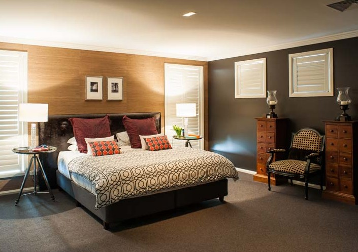 Spacious classic contemporary style bedroom design