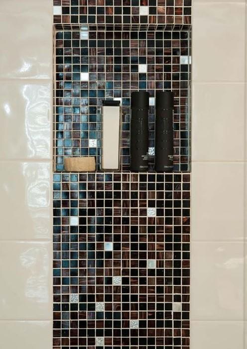Bathroom niche mosaic
