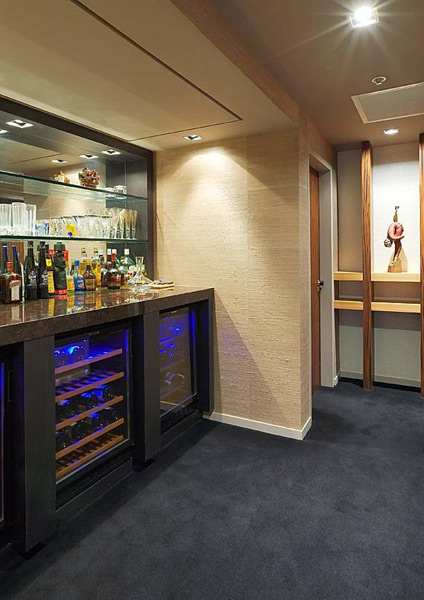 Modern interior bar design