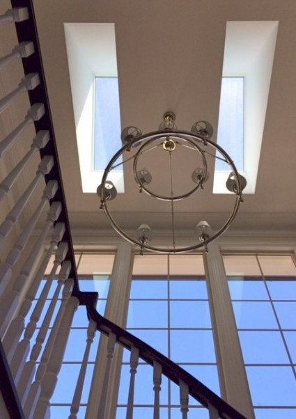 Circular feature chandelier
